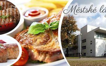 600g nejlepšího masíčka.3 druhy steaků, omáčka a těstovinový salátek pro 2 osoby v Hradci Králové.Příjemné prostředí s kvalitní obsluhou a vynikající kuchyní - to je fantastická nabídka pro všechny milovníky masa a kvalitního jídla za skvělou cenu.