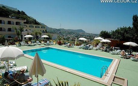 Itálie - Ischia - Forio na 8 dní, polopenze s dopravou letecky z Prahy 500 m od pláže