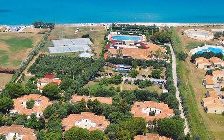 Itálie - Kalábrie - Parghelia na 8 dní, polopenze s dopravou letecky z Prahy přímo na pláži