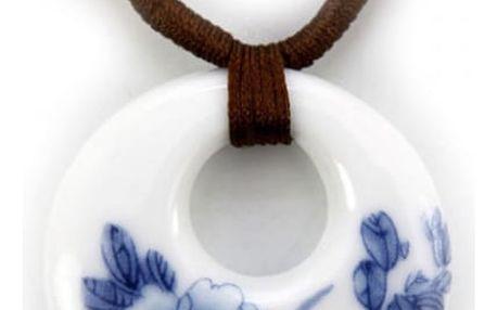 Dámský náhrdelník s přívěskem s květinovými vzory