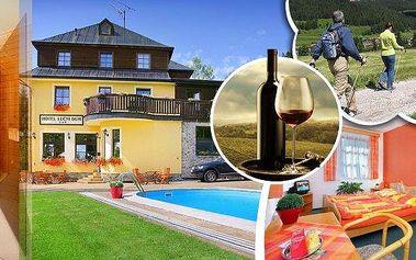 3 dny pro dva v 3* hotelu Luční dům Janské Lázně s neomezeným vstupem do vyhřívaného venkovního bazénu.Komfortní ubytování, polopenze, lahev kvalitního vína, káva, moučník a pro děti venkovní hřiště s trampolínou. Sleva 20% na saunu a další pobyt.