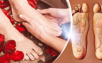 Mokrá pedikúra EXKLUSIV s reflexní masáží plosek nohou: 75 minut péče o unavené nohy