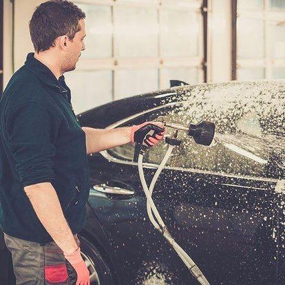 Čištění osobních vozů – od výfuku až po stěrače