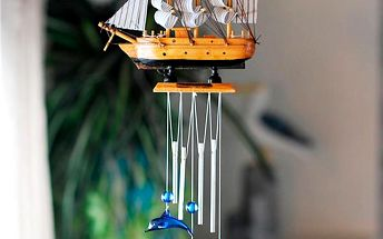 Zvonkohra s lodí a delfíny