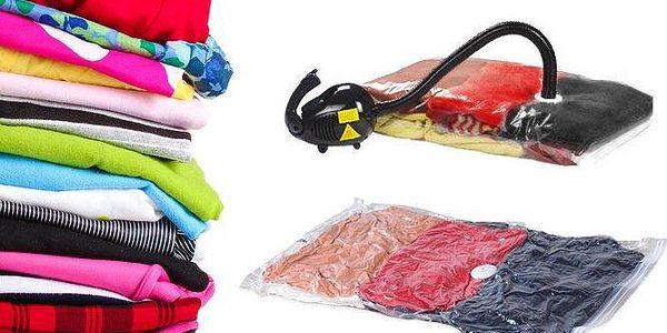 8 odolných vakuových pytlů o rozměrech 80x60 cm pro snadné uskladnění prádla