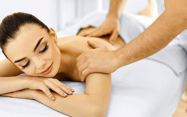 Ajurvédská masáž přírodními oleji se zábalem