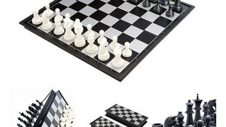 Přenosné magnetické šachy a dáma (2 v 1)