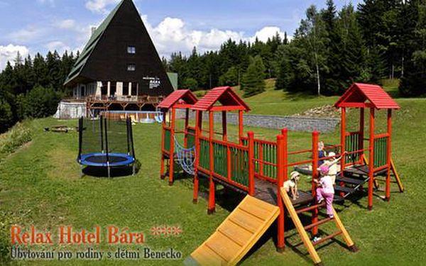 Wellness pobyt s polopenzí v nominovaném kids friendly Hotelu Bára v Krkonoších s platností do konce října