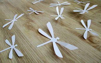 Nalepte.cz 3D dekorace na zeď vážky bílá 12 ks 11 x 6 cm