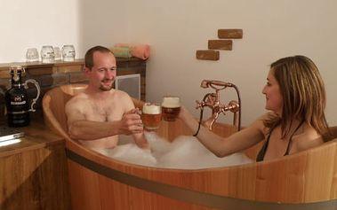 Pivní koupel a relax pro 2 osoby + neomezená konzumace 12° piva Bernard, České Budějovice