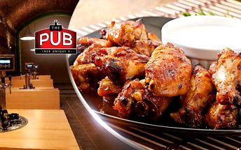 15 ks kuřecích křidélek v pikantní marinádě Buffalo v restauraci The PUB