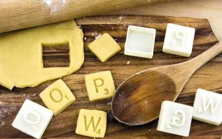 Vykrajovátka na cukroví Scrabble