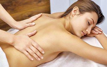 Uvolňující masáž zad, šíje a nohou + zábal