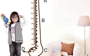 Samolepka na zeď - Dětský metr v podobě žirafy