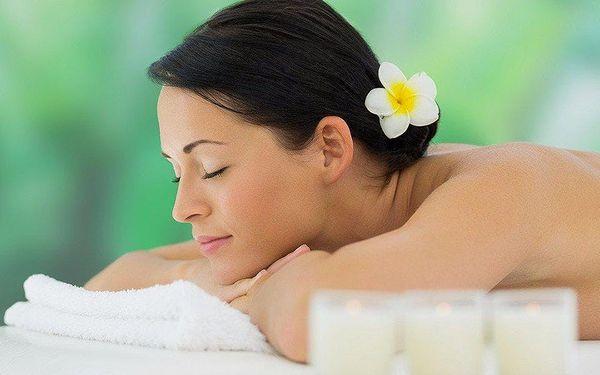 Uvolňující 60minutová masáž zad a šíje
