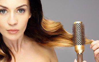 Zesvětlení vlasových konečků nebo celých vlasů