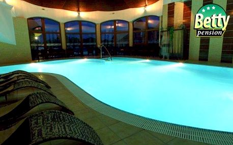 Velký Meder s polopenzí, bazénem a wellness