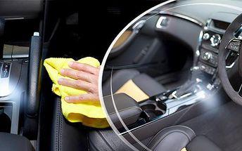 Mokré čištění interiéru vozu včetně tepování na Praze 10