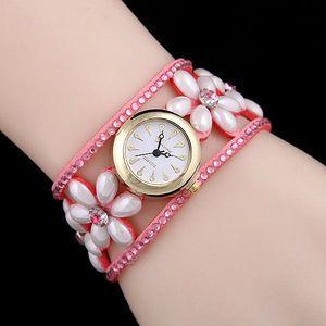 Květinové hodinky v různých barvách