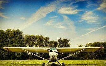 Až 40 minut letu v Cessna C 152 jako pilot
