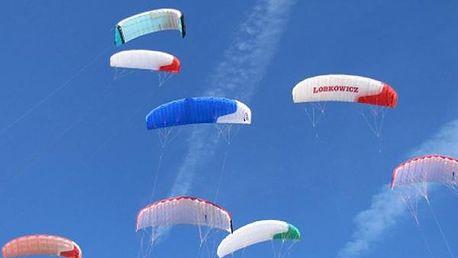 Jednodenní kite kurz - Landkiting, základní principy powerkitingu, teorie i praktická stránka.