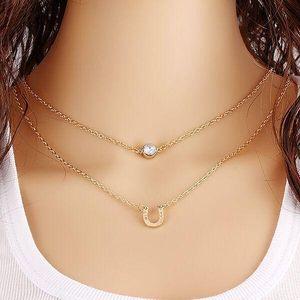 Dámský náhrdelník s podkovou - skladovka - poštovné zdarma