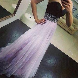 Svůdné večerní šaty
