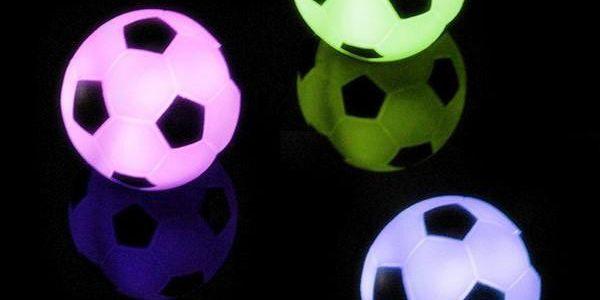 LED lampičky ve tvaru fotbalového míče