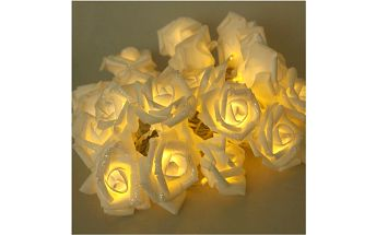 Romantické růžičky v podobě dekorativního řetězu - dodání do 2 dnů