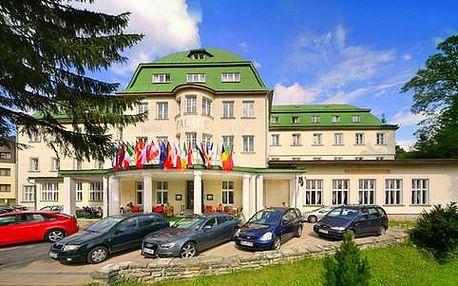 All inclusive pobyt pro 2 dospělé a 1 dítě v hotelu Palace Club***