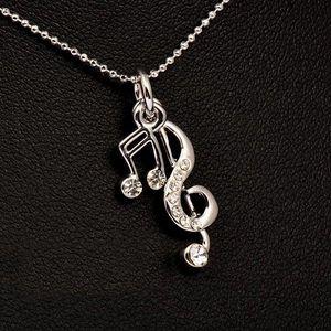 Náhrdelník pro milovnice hudby ve stříbrné barvě
