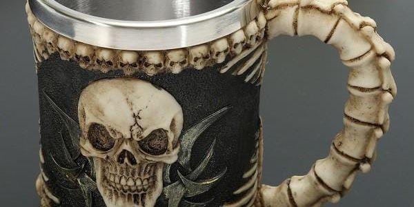 Ďábelský hrnek s lebkou a kostmi - poštovné zdarma