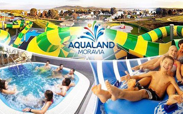 AQUALAND MORAVIA pro 2-8 osob: celodenní vstup, 150 min. wellness a doprava až 40 km tam i zpět