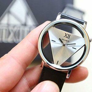 Originální hodinky s trojúhelníkovým ciferníkem