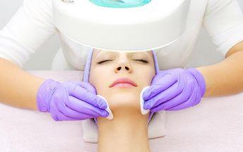 Kosmetické ošetření pleti přístrojem Hialurofrax