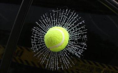 3D samolepka na auto - Tenisák - dodání do 2 dnů