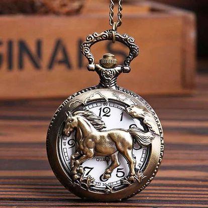 Retro kapesní hodinky s motivem koně