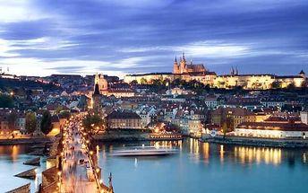 Plavba lodí v Praze s rautem