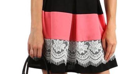 Šaty se skládanou sukní a vrstvou krajky tmavě růžová