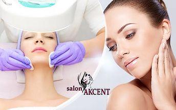 Kosmetické ošetření pleti v délce 60 minut s manuálním liftingem a přístrojovým peelingem