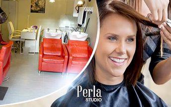 Kadeřnické balíčky pro všechny délky vlasů: střih, keratin, melír nebo ombré u metra C - Kobylisy