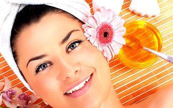 Kosmetické ošetření pro 1 osobu, 1 + 1 osobu či relaxace pro 2 osoby. Délka ošetření: 90 minut.