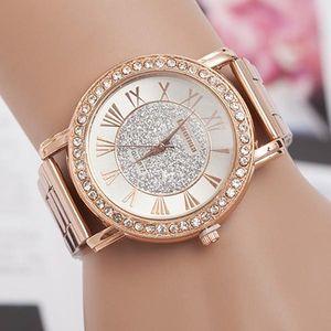 Ležérní dámské hodinky ve zlaté barvě - dodání do 2 dnů
