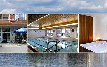 Hotel Bezděz*** na břehu Máchova jezera s polopenzí a neomezeným vstupem do krytého bazénu pro 2 osoby
