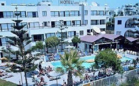 Kypr - Larnaca na 8 až 10 dní, polopenze nebo snídaně s dopravou budapešť