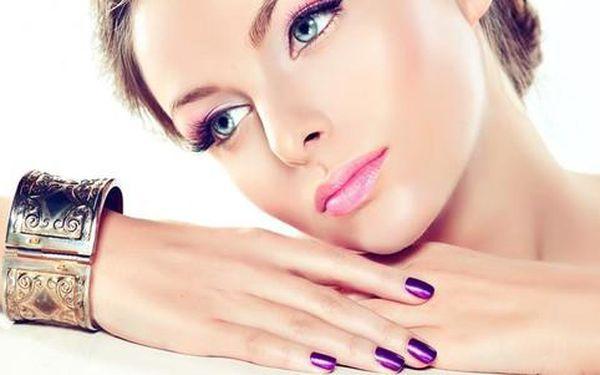 Nová gelová modeláž nehtů nebo manikúra s lakováním v Salonu Beauty2