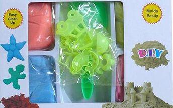 Barevný tekutý písek ve 4 barvách, 6 formiček a lopatka. Hit mezi hračkami. Doručení zdarma.