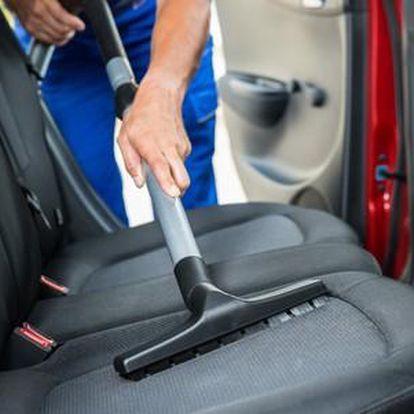 Tepování interiéru auta a jako bonus ošetření pneumatik