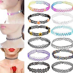 Set 12 retro náhrdelníků na krk