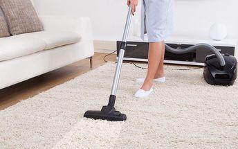 Důkladné čištění koberců a čalounění